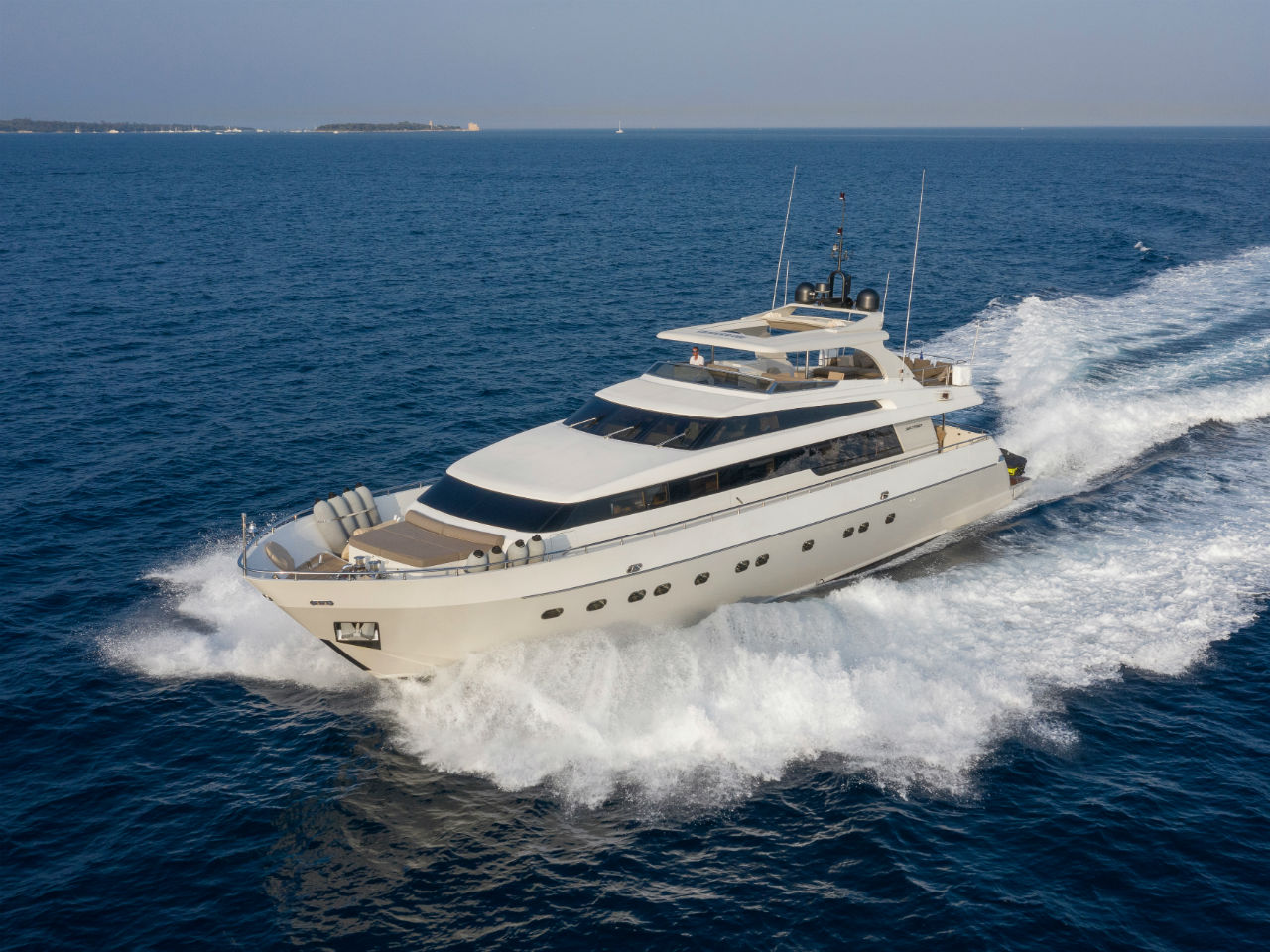 PANTHOURS Yacht Exterior